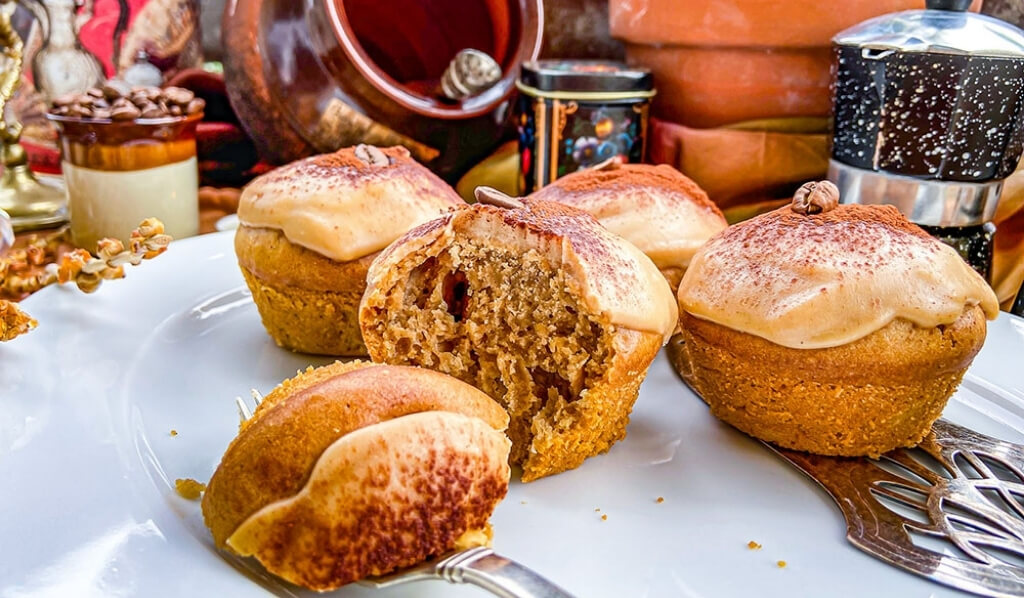 Mokka Muffins auf einem Teller